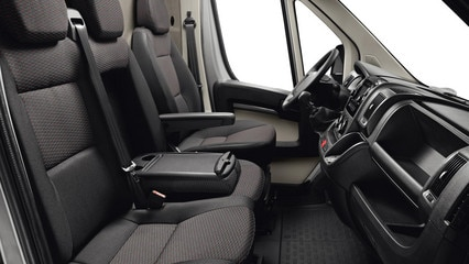 /image/65/4/peugeot-boxer-photo-interior-3-1920.173654.jpg